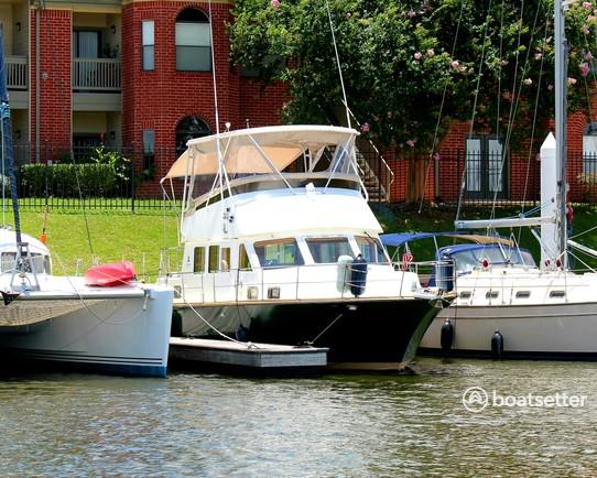 Rent a Albin Marine Inc. motor yacht in Kemah, TX near me