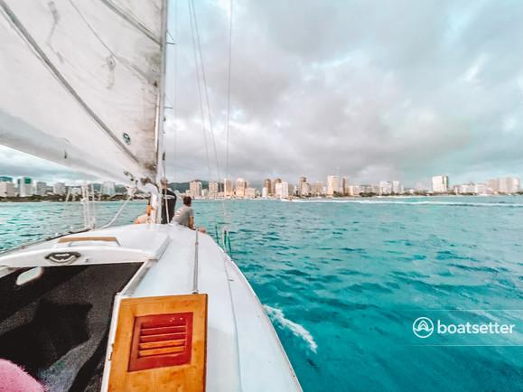 Rent a Cascade Yachts classic in Honolulu, HI near me