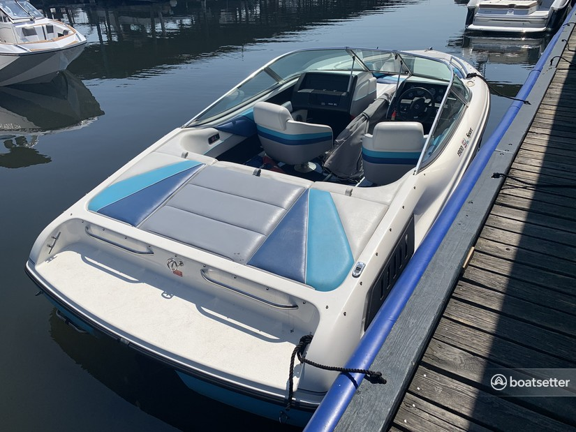 Rent a Chaparral Boats bow rider in Seattle, WA near me