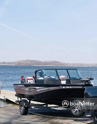 Rent a LOWE BOATS aluminum fishing in Minneapolis, MN near me