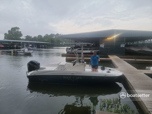 Rent a BAYLINER center console in Willis, TX near me