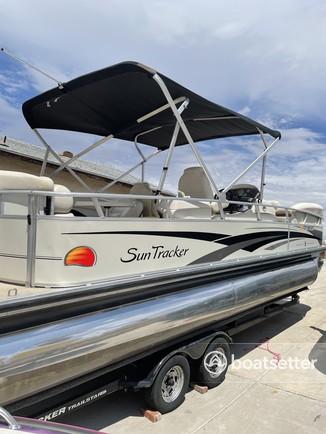 Rent a Sun Tracker by Tracker Marine pontoon in Bullhead City, AZ near me
