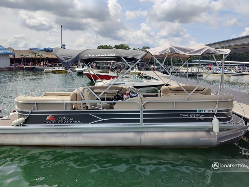 Rent a Sun Tracker by Tracker Marine pontoon in Gainesville, GA near me