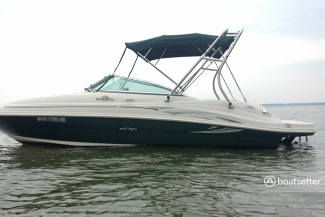 Rent a Sea Ray Boats bow rider in Seattle, WA near me