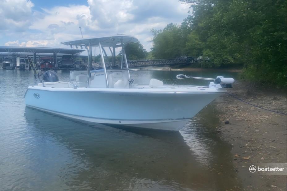 Rent a SEA HUNT BOATS center console in Gainesville, GA near me