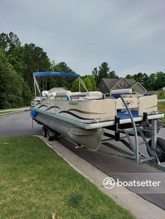 Rent a Godfrey Marine pontoon in Chapel Hill, NC near me