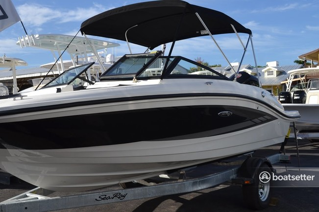 Rent a SEA RAY BOATS runabout in Wayzata, MN near me