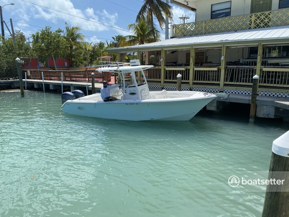 Rent a Sea Hunt Boats center console in Tavernier, FL near me