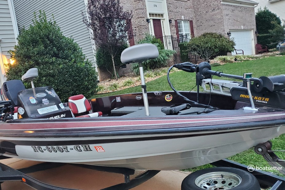 Rent a Javelin Boats bass boat in Mooresville, NC near me