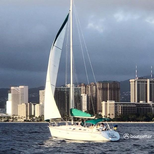 Rent a Beneteau USA cruiser racer in Honolulu, HI near me