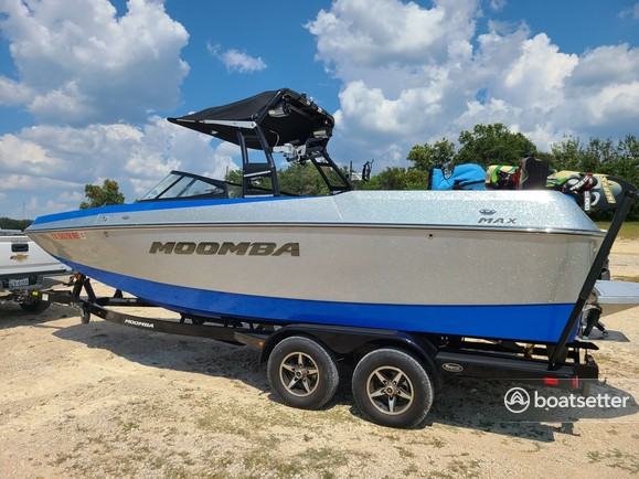 Rent a MOOMBA BY SKIERS CHOICE ski and wakeboard in Austin, TX near me