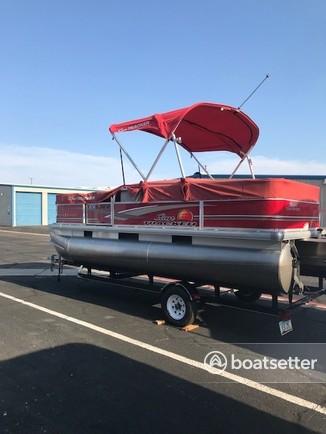 Rent a Sun Tracker by Tracker Marine pontoon in Lake Havasu City, AZ near me