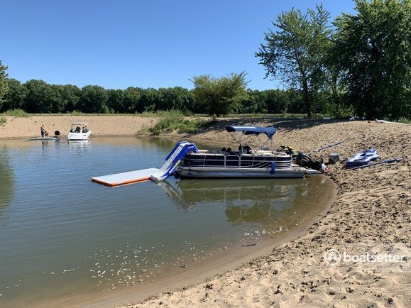 Rent a South Bay Pontoons pontoon in Hager City, WI near me