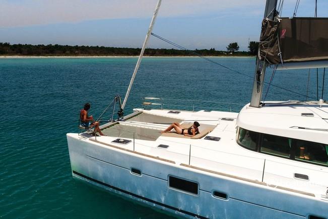 Rent a CNB Lagoon catamaran in St. Petersburg, FL near me