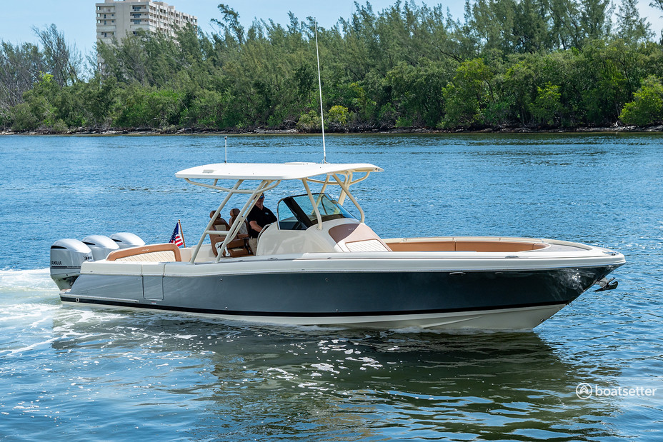 Rent a Chris Craft center console in Fort Lauderdale, FL near me
