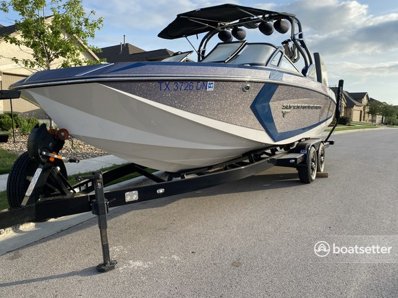 Rent a Super Air Nautique ski and wakeboard in Jonestown, TX near me