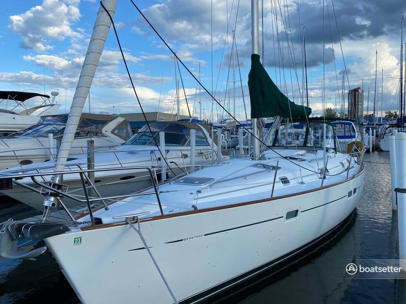 Rent a Beneteau USA cruiser in St. Clair Shores, MI near me