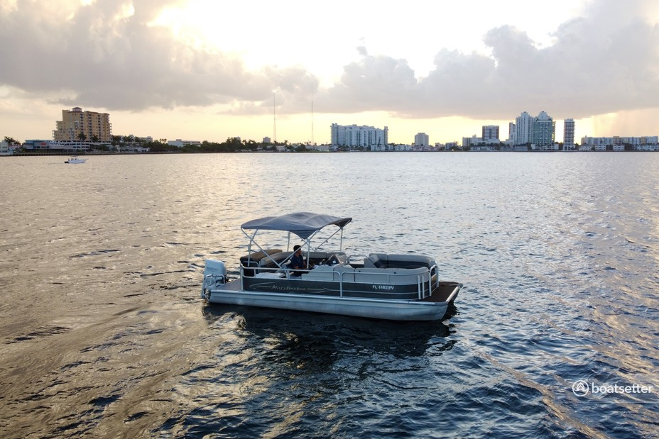 Rent a Misty Harbor pontoon in Miami Beach, FL near me