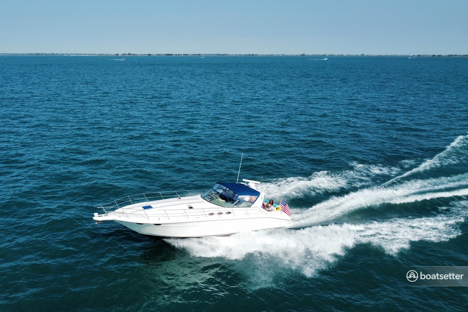 Rent a Sea Ray Boats express cruiser in New Baltimore, MI near me