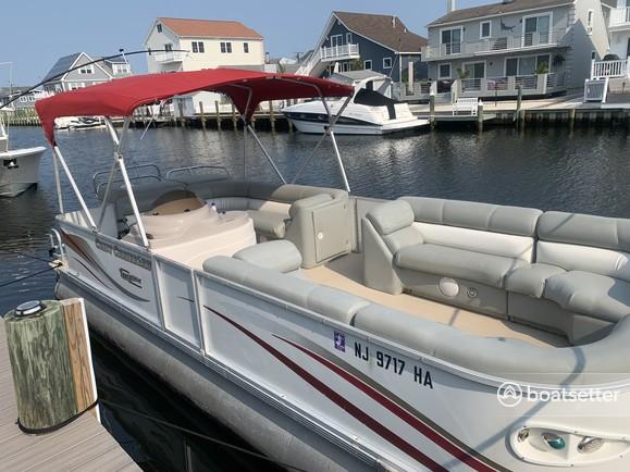Rent a Crest Pontoons pontoon in Brick Township, NJ near me