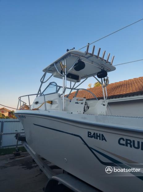 Rent a Baha Cruiser Boats cruiser in Miami, FL near me