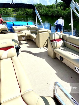 Rent a Harris FloteBote pontoon in Fort Lauderdale, FL near me