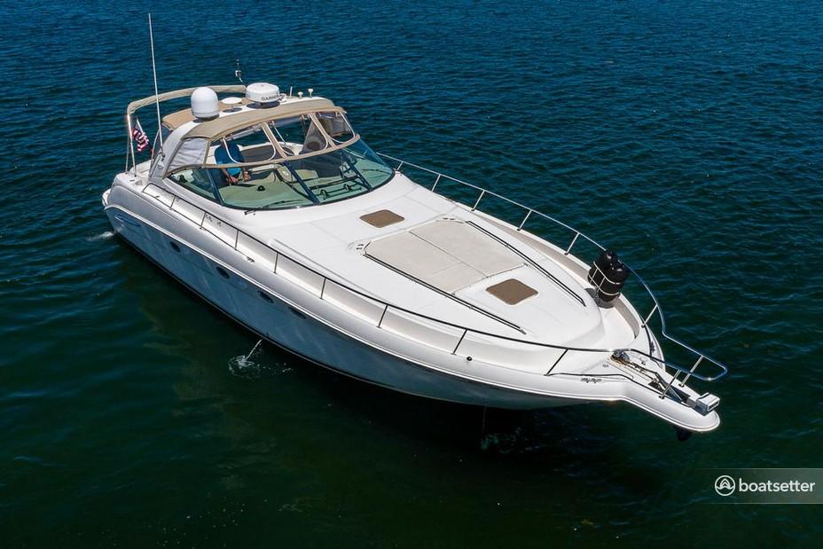 Rent a Sea Ray Boats cruiser in Aventura, FL near me