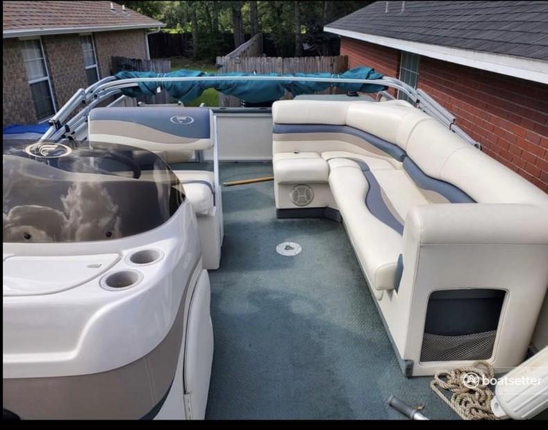 Rent a Fisher pontoon in Fort Walton Beach, FL near me