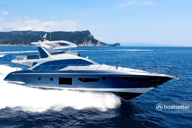 Rent a Azimut motor yacht in Aventura, FL near me