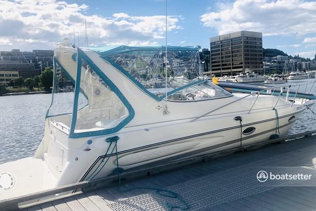 Rent a Maxum cruiser in Seattle, WA near me
