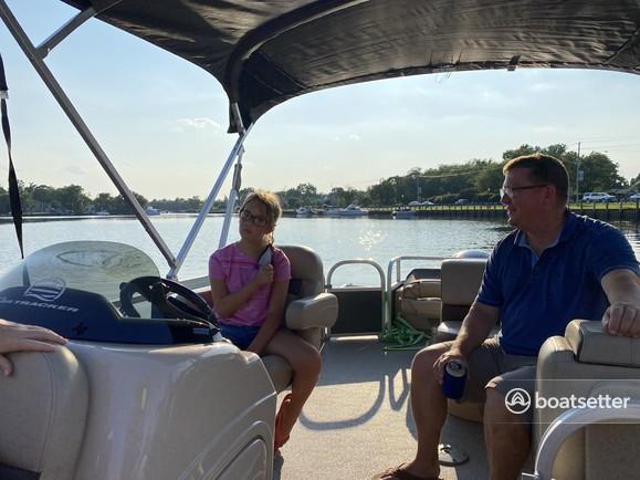 Rent a SUN TRACKER pontoon in Egg Harbor Township, NJ near me