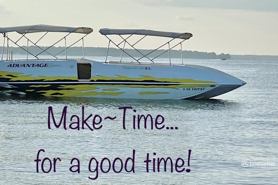 Rent a Advantage Boats deck boat in Willis, TX near me