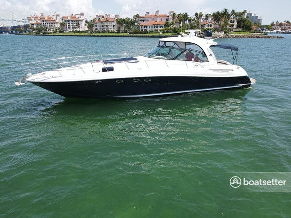Rent a Sea Ray Boats motor yacht in Miami Beach, FL near me