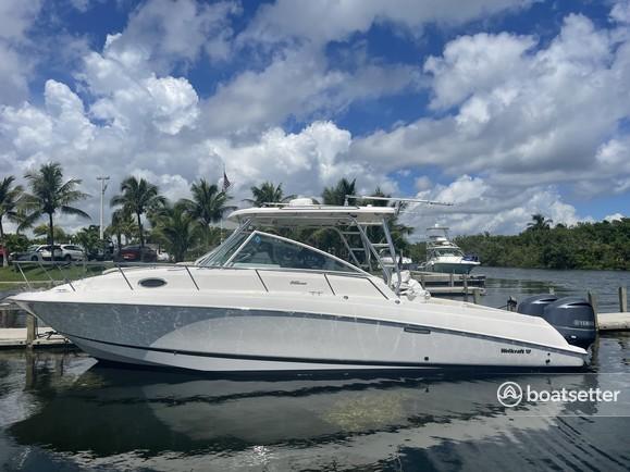 Rent a Wellcraft cruiser in Miami, FL near me