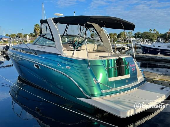 Rent a Rinker Boats cruiser in Miami, FL near me