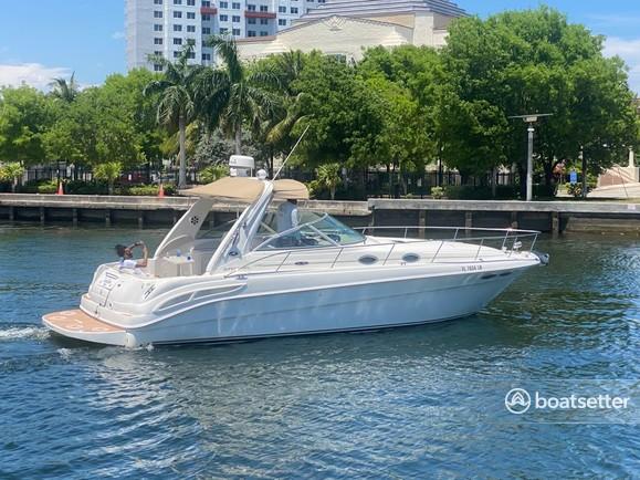 Rent a Sea Ray Boats classic in Miami, FL near me