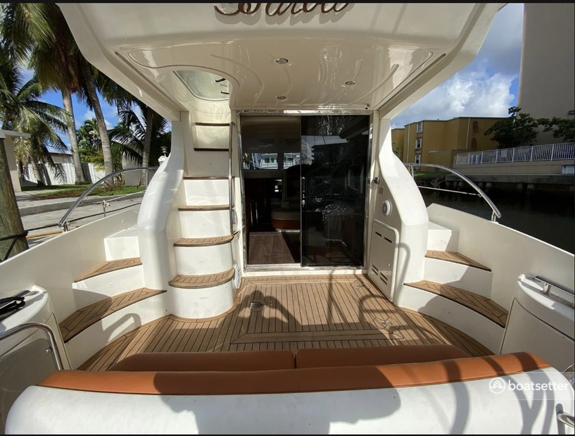 Rent a Azimut flybridge in Miami Beach, FL near me