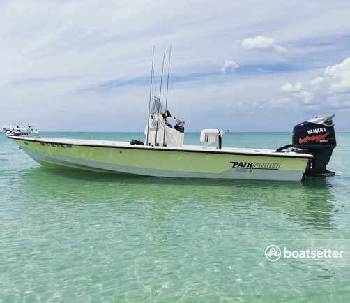 Rent a Pathfinder Boats center console in Gulfport, FL near me