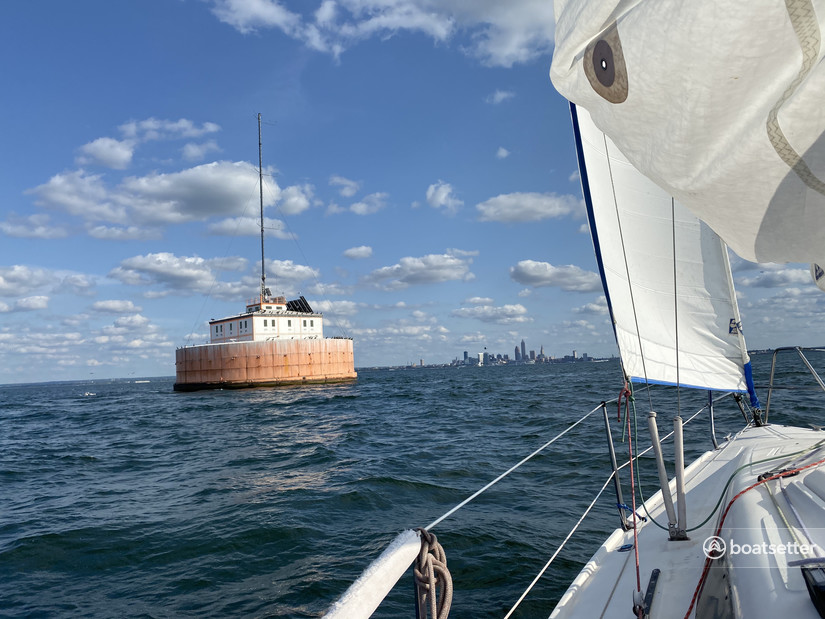 Rent a Hunter daysailer &_weekender in Cleveland, OH near me