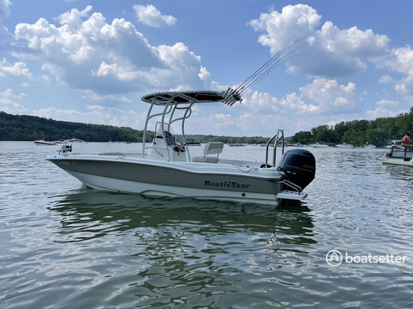 Rent a NAUTICSTAR BOATS center console in St. Petersburg, FL near me