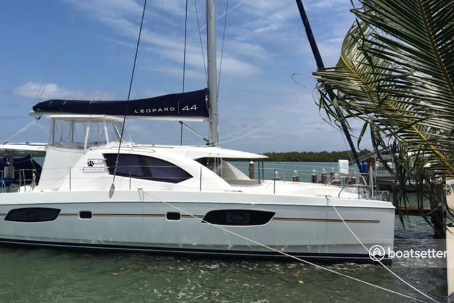 Rent a Robertson & Caine motor yacht in Marathon, FL near me