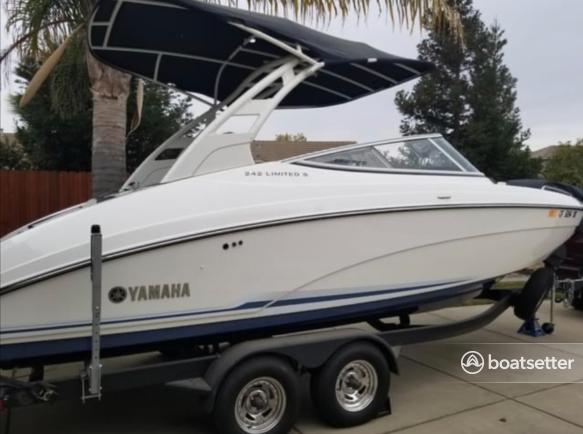 Rent a YAMAHA jet boat in Sacramento, CA near me