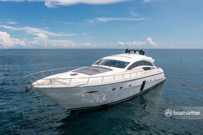 Rent a Pershing motor yacht in Miami Beach, FL near me