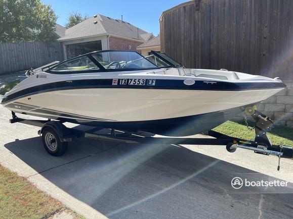 Rent a YAMAHA jet boat in Rockwall, TX near me