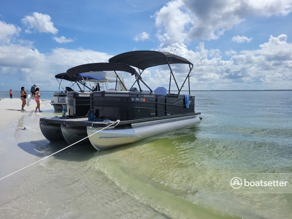 Rent a CRESTLINER BOATS pontoon in Clearwater, FL near me