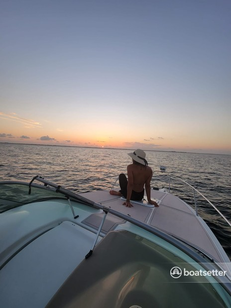 Rent a Glastron Boats cruiser in Tampa, FL near me