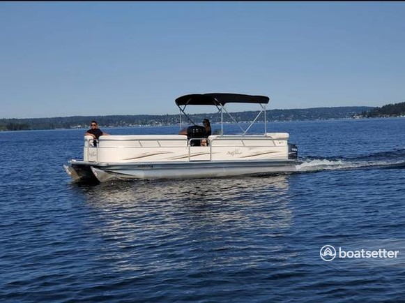 Rent a SUN TRACKER pontoon in Seattle, WA near me