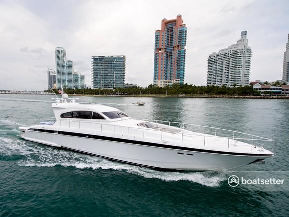 Rent a Leopard motor yacht in Miami Beach, FL near me