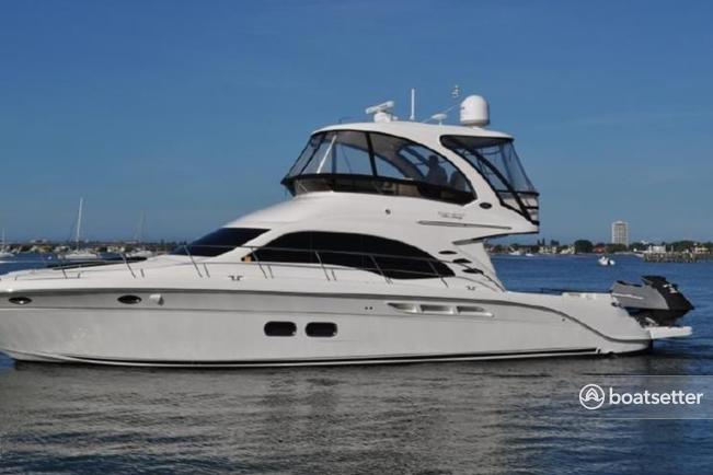 Rent a Sea Ray Boats motor yacht in Deerfield Beach, FL near me