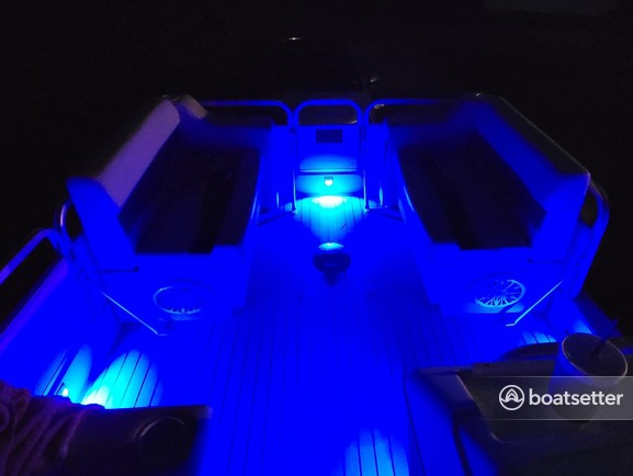 Rent a Hurricane Boats deck boat in Jacksonville, FL near me